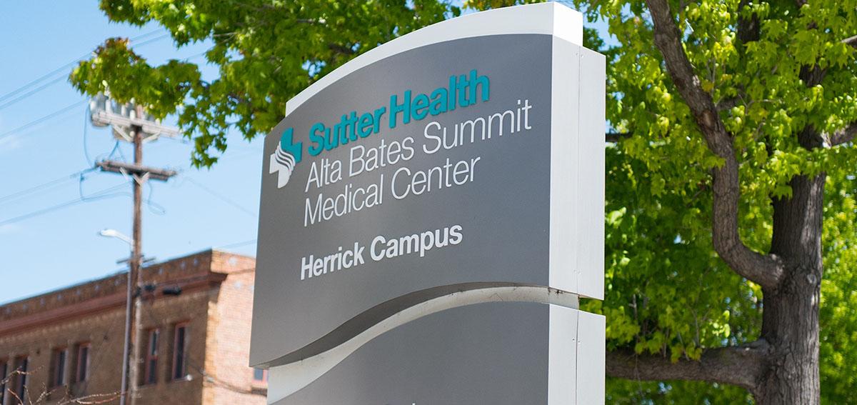 Sign for Sutter Health Alta Bates Summit Medical Center